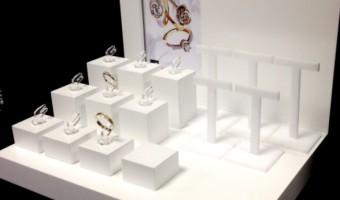 Подставки для ювелирных украшений – многообразие формы