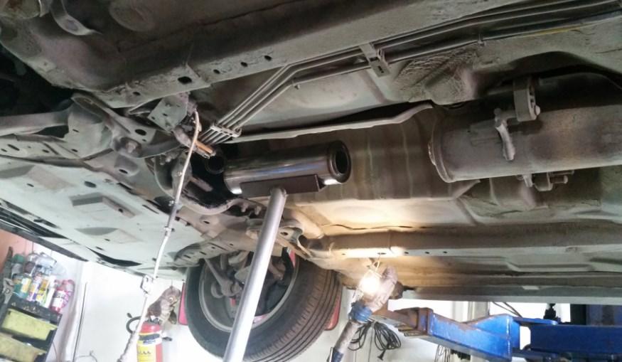 Установка пламегасителя вместо катализатора в выхлопную систему автомобиля