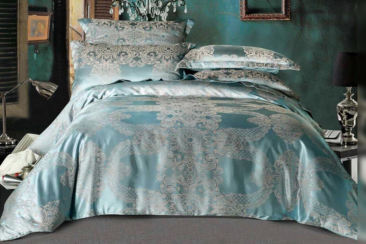 двуспальная постель