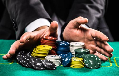 Минфин планирует законодательно ограничить максимальный размер проигрыша в азартных играх
